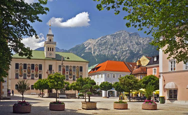 Alpenstadt Bad Reichenhall Rathaus Fussgaengerzone