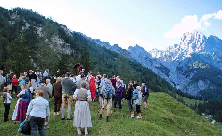 Bergmesse Auf Der Bindalm