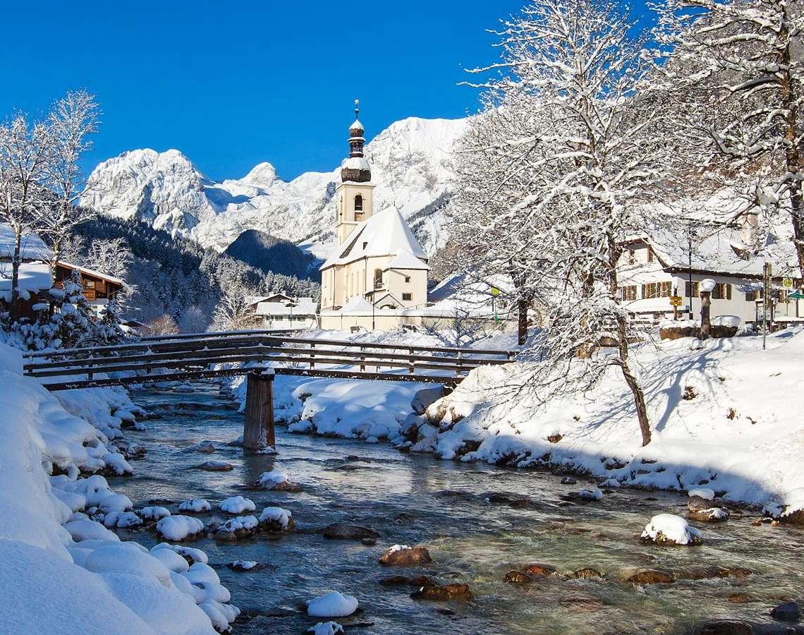 Bergsteigerdorf Ramsau Kirche Winter