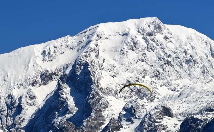 Paraglider Vorm Hohen Goell