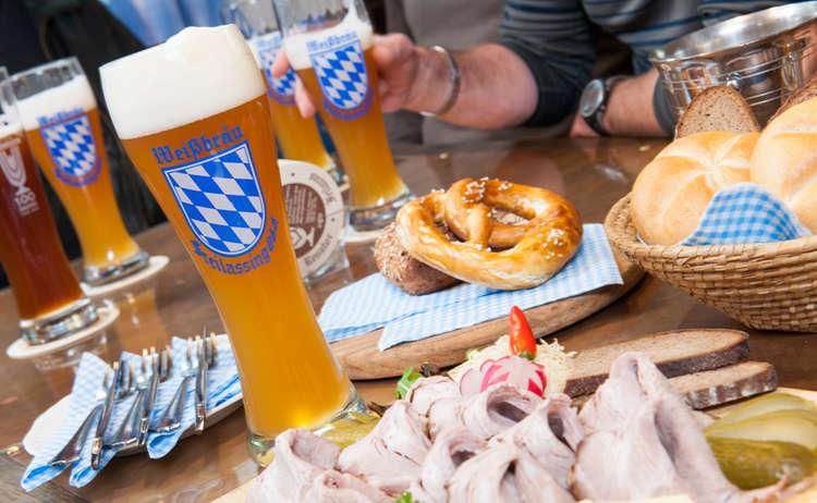 Weissbraeu Freilassing Biergarten
